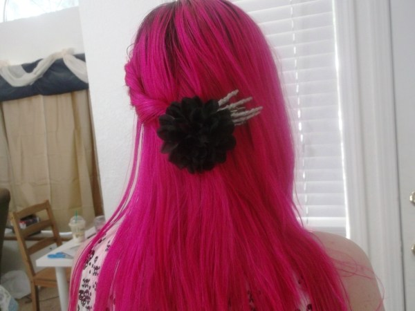 Skeleton Hand With Flower Hairclip Make Toy Hair