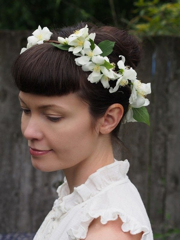 Diy Fresh Flower Crown How To Make A Flower Crown