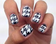 diy houndstooth nail art