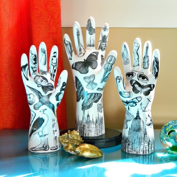 Tattooed Plaster Hands Make Model Sculpture
