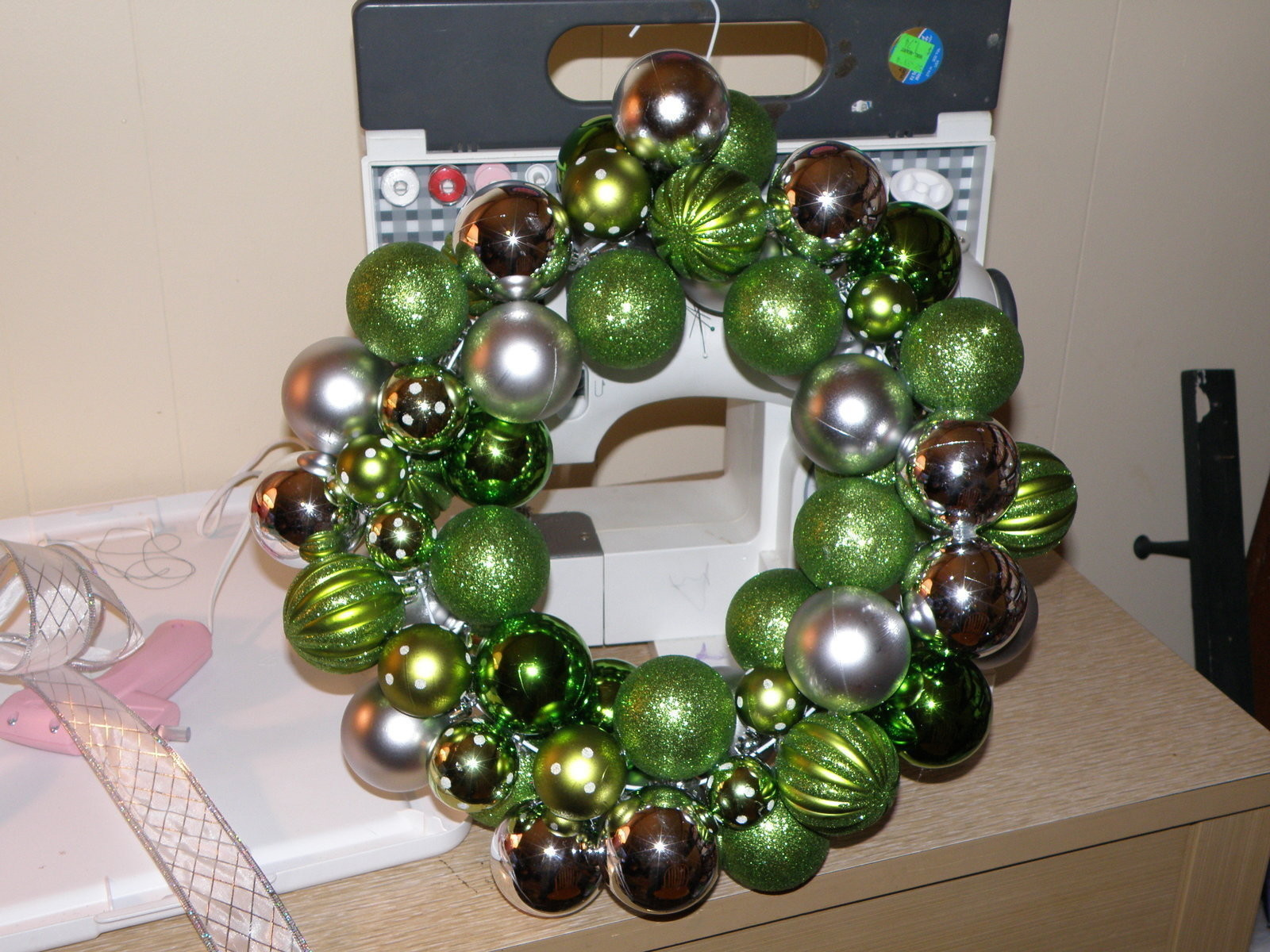 Beautiful Ornament Wreath  How To Make A Bauble Wreath