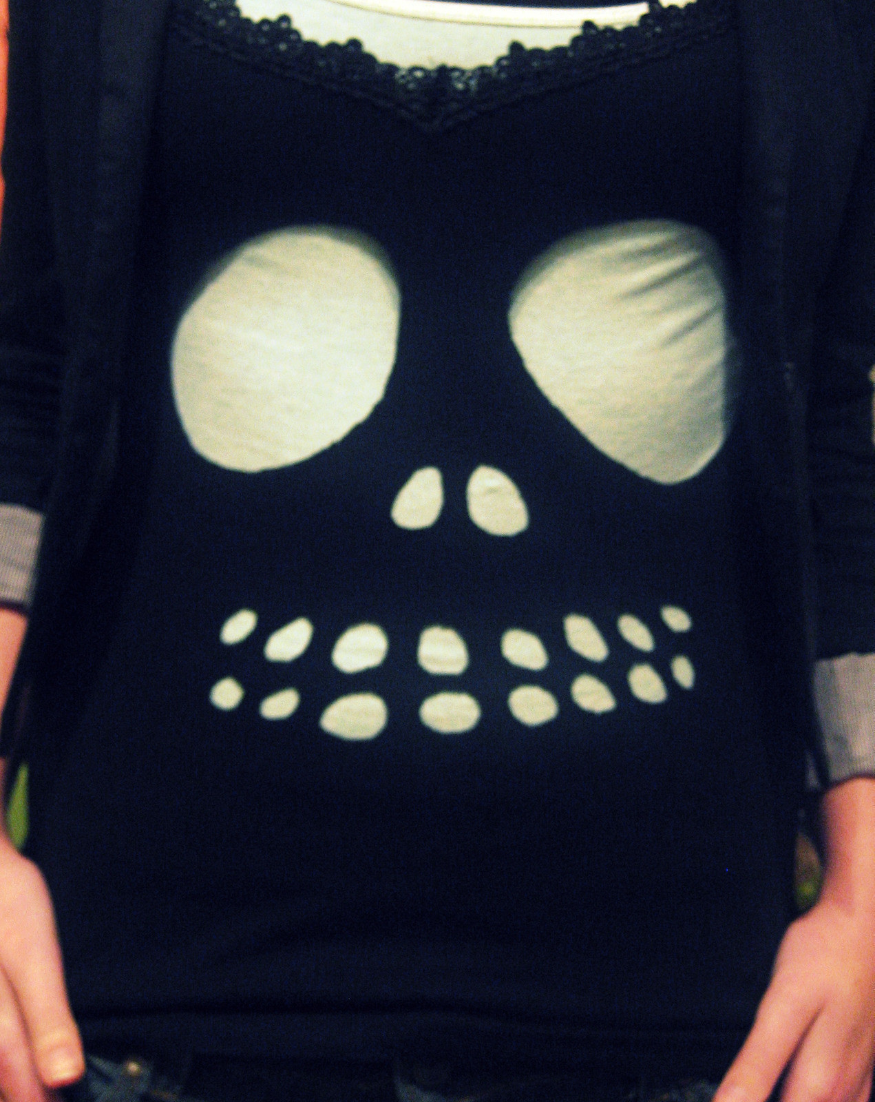 Diy Cutout Skully Tee A Skull Cut Out Top Version By