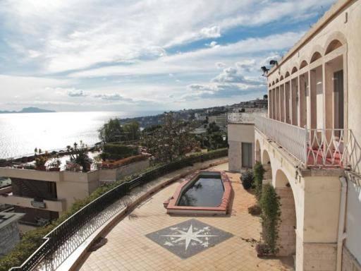 Napoli va allasta villa Nike Casa degli ammiragli Nato