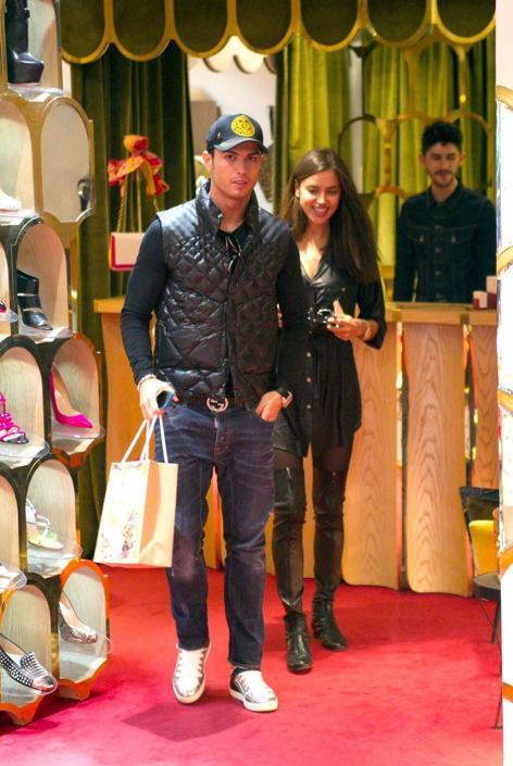 Cristiano Ronaldo e Irina mattinata di shopping
