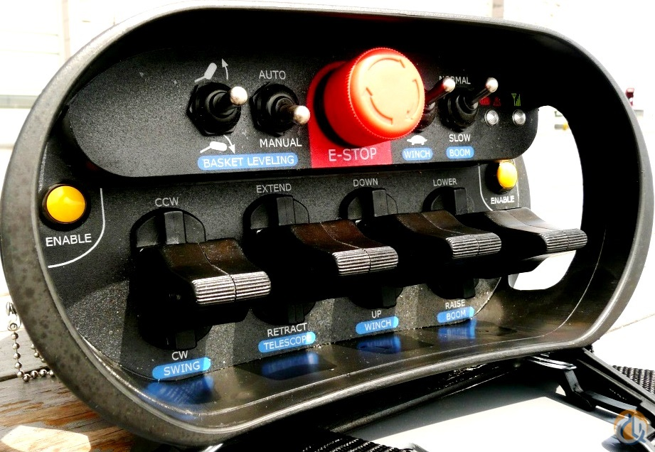 Control Stereo Using Lm1035