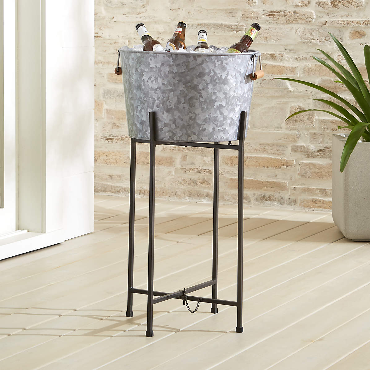 Galvanized Beverage Tub With Black Stand Reviews Crate And Barrel