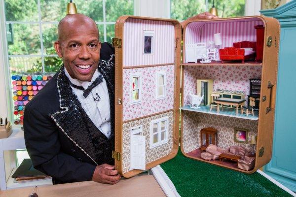 Diy Suitcase Dollhouse - Video Hallmark Channel