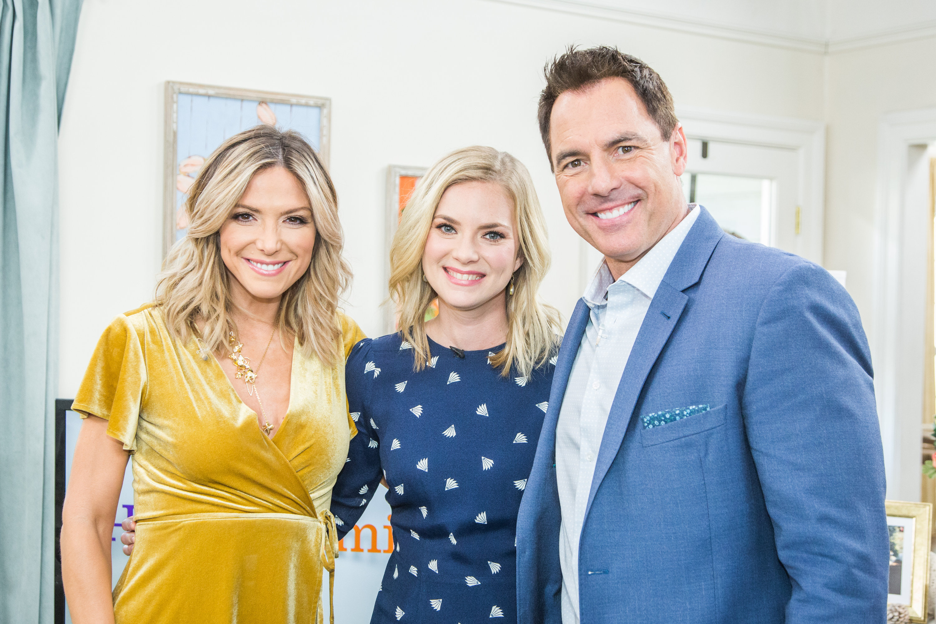 Cindy Busby Visits  Home  Family  Video  Hallmark Channel