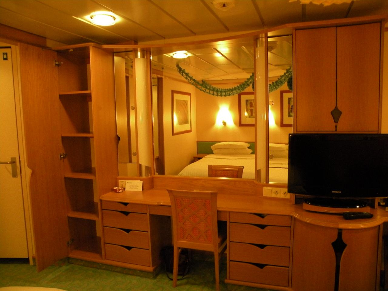 Royal Caribbean Explorer of the Seas Cruise Review for Cabin 7692