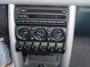 20022006 MINI Cooper Hatchback Car Audio Profile