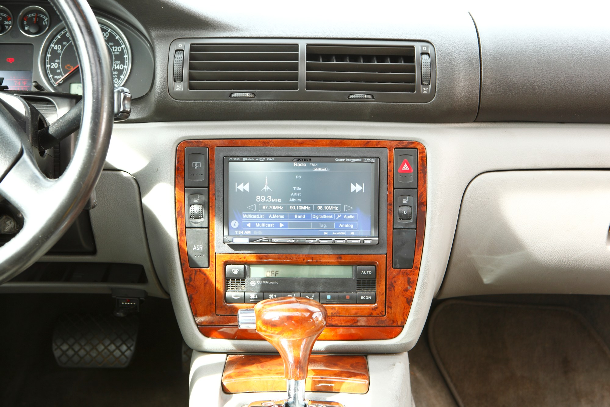 hight resolution of tahoe stereo system