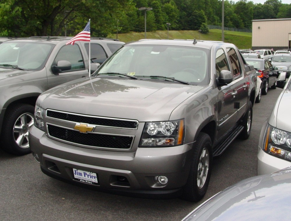 medium resolution of 2007 2013 chevrolet avalanche