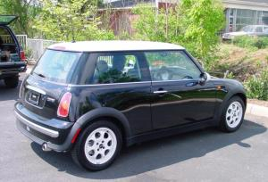20022006 MINI Cooper hatchback car audio profile
