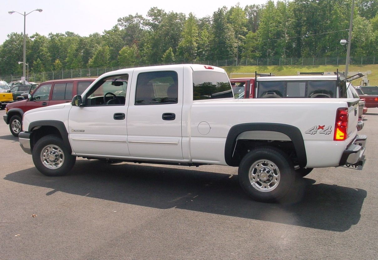 hight resolution of 2003 2007 chevy silverado and gmc sierra crew cab