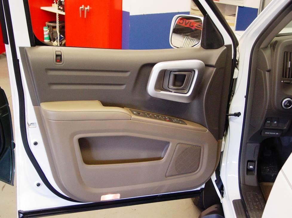 Honda Ridgeline Door
