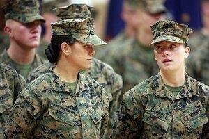 Afbeeldingsresultaat voor females in us marines