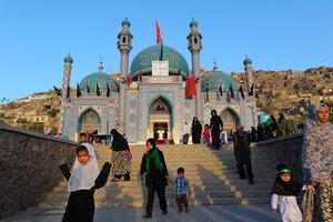ISIS attacks Shiites but Afghans resist push to make