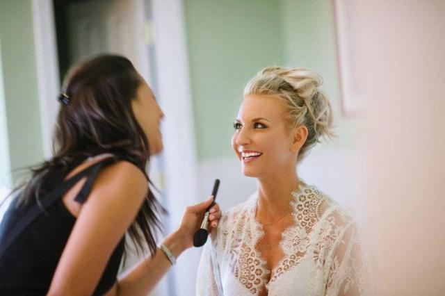 9 tips for great bridal makeup from a makeup artist | zola