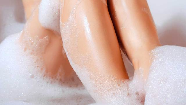 Soak Your Skin in Warm Bath and Get Rid of Ingrown Hairs