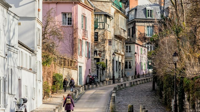 Walk On Walk Off 90-Minute Tour of Montmartre Paris | Walks