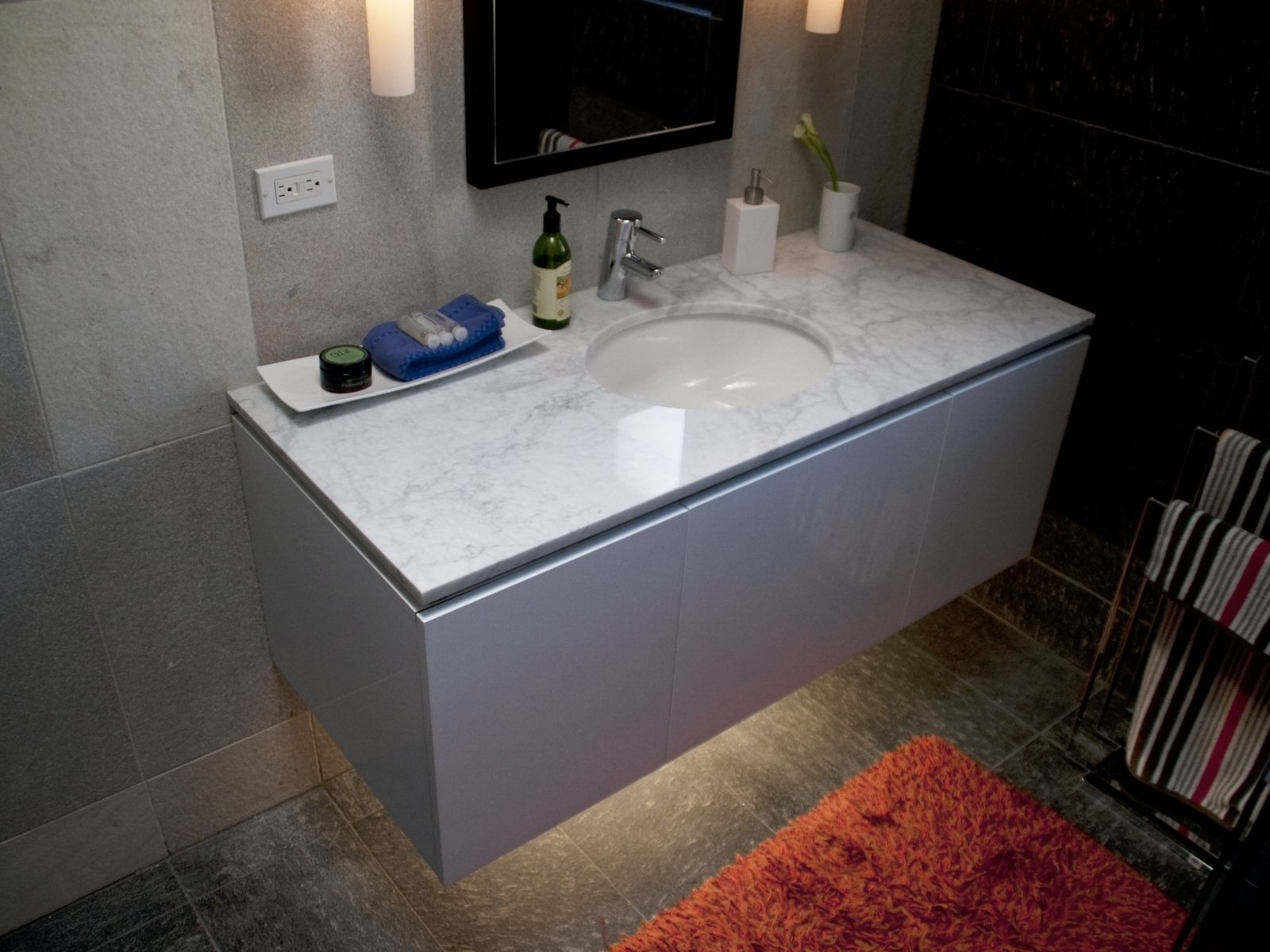 On Style Today 2020 08 21 Custom Made Floating Bathroom Vanity Here