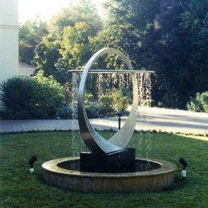 custom garden fountains