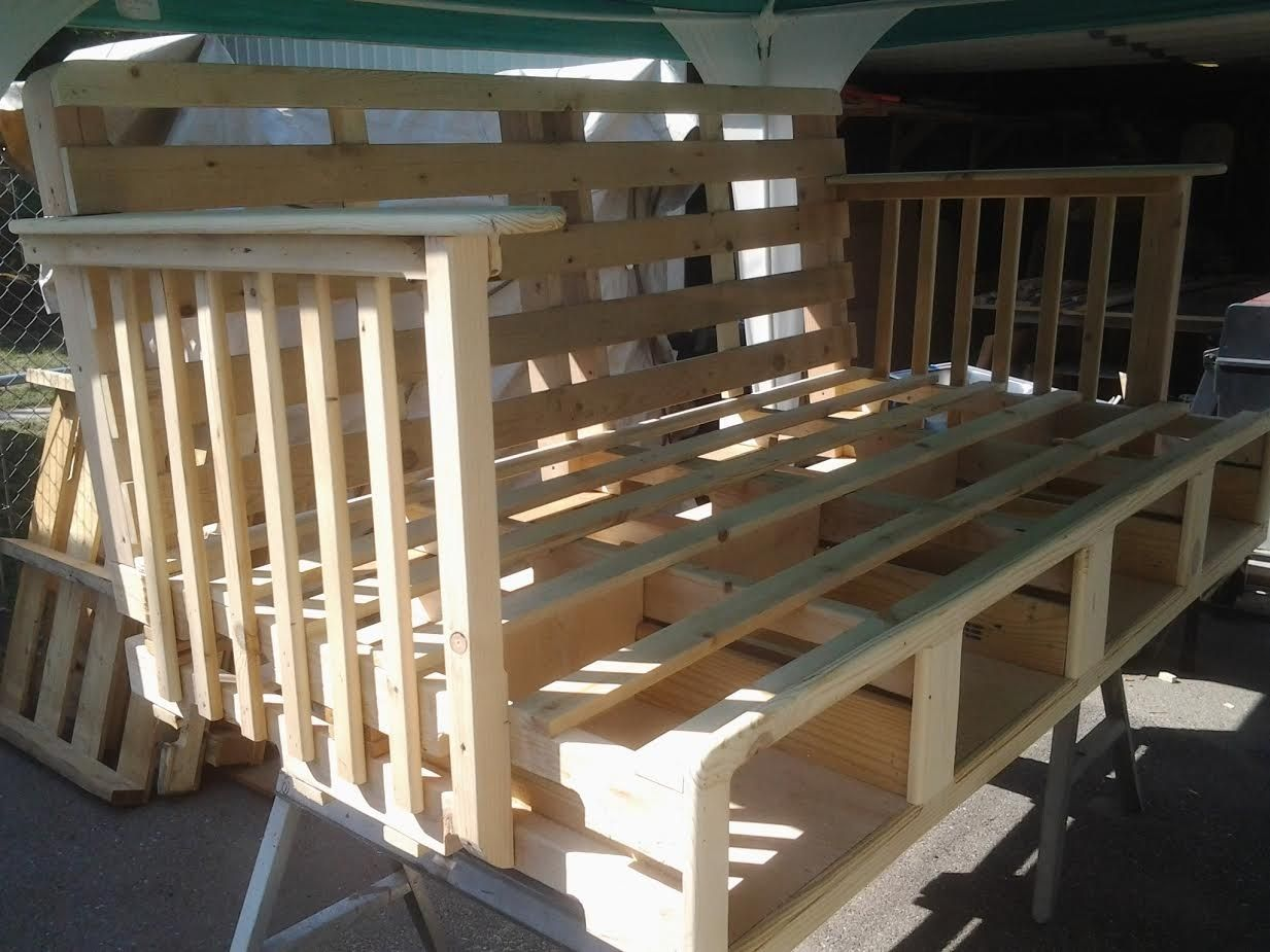 Handmade Daybed Made Of Pallets With Storage By Ftc