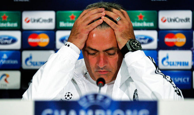 Jose Mourinho loses it at a press conference