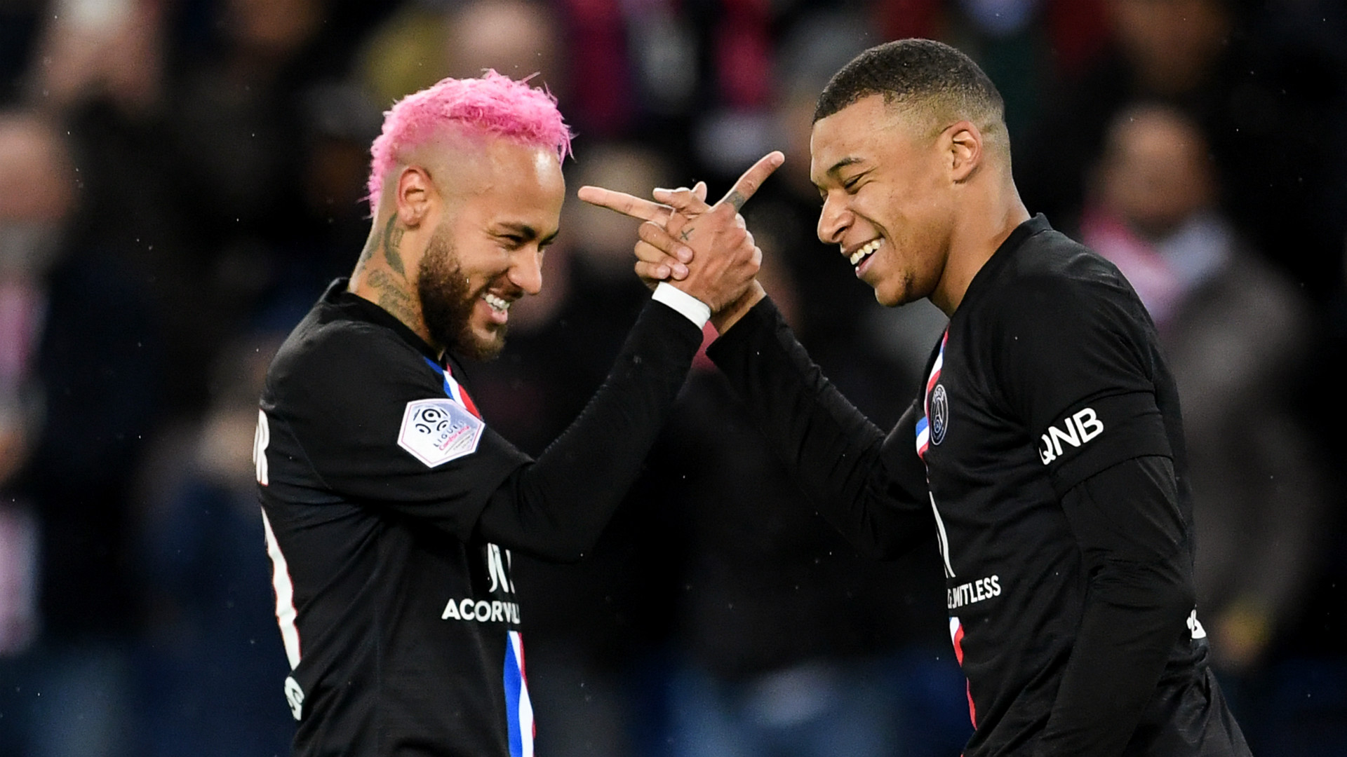 neymar mbappe on the line for psg in