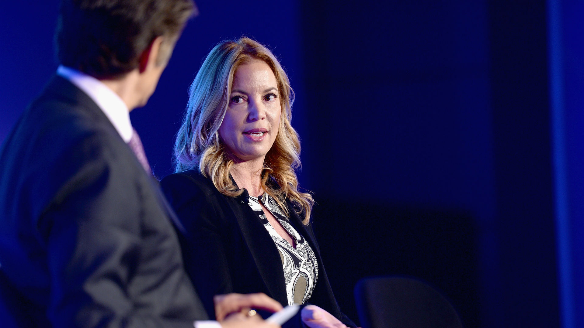 Photo of Lakers owner Jeanie Buss shares vile racist letter addressed to her
