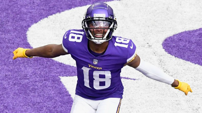 Vikings' Justin Jefferson sets record straight after live mic catches him  frustrated with Kirk Cousins | Sporting News