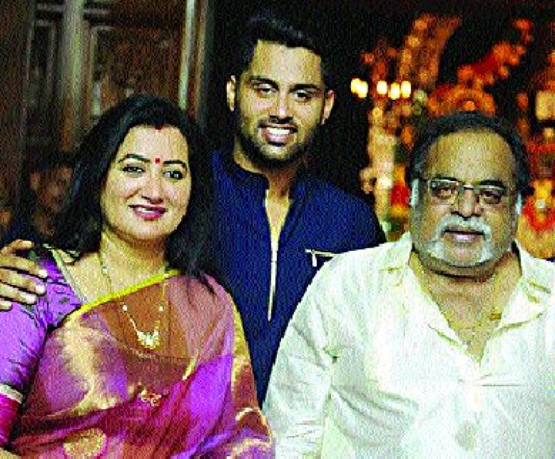 Actor Ambareesh with his wife Sumalatha and son Abhishek