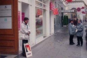 Artikelbild: Aus dem Archiv: Ein Abtreibungsgegner vor dem Ambulatorium am Wiener Fleischmarkt. Inzwischen wurden in Wien Schutzzonen vor Abtreibungskliniken eingerichtet. - Foto: Matthias Cremer