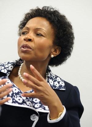 """Maite Nkoana-Mashabane: """"Was gut für mich ist, ist gut für meinen Nachbarn."""""""