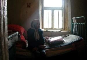 Kein Familienanschluss, keine freundlichen Nachbarn, Unterstützung nur vom Sozialzentrum: Maria A., einst Kolchosearbeiterin.
