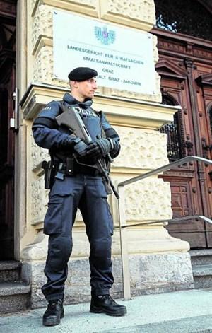Das Grazer Straflandesgericht ist nach wie vor schwer bewacht.
