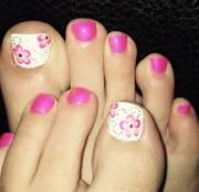 flower toe nail design