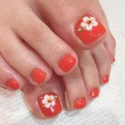 flower toe nail design