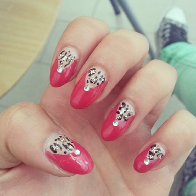 Pion Leopard Nail Design