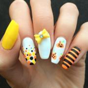 bow nail design