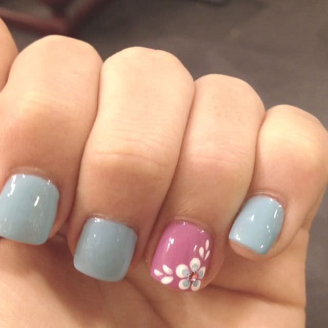 Acrylic Dotted Nail Designs
