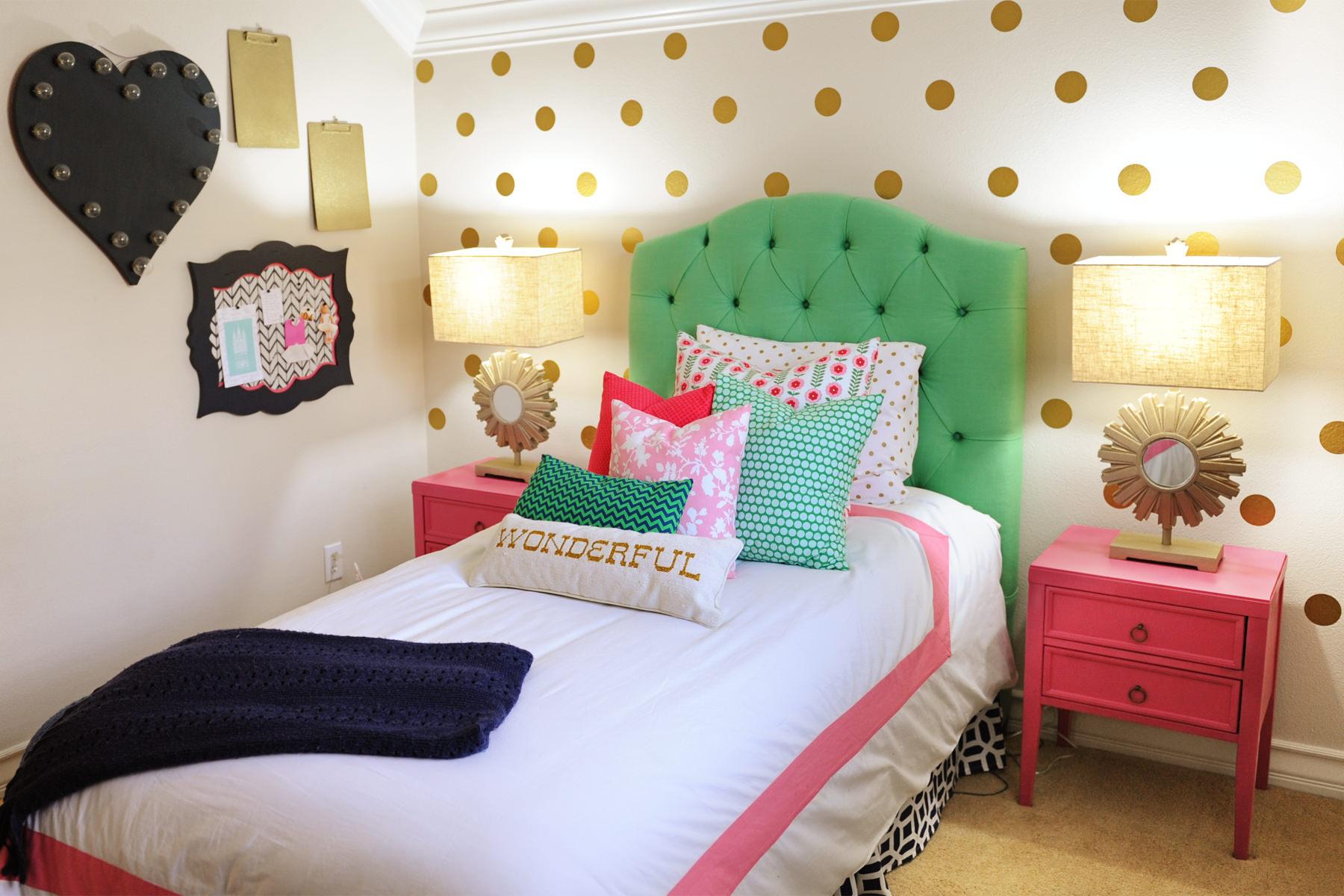 15 Polka Dot Interior Wall Designs Decor Ideas