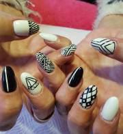 oval nail art design ideas