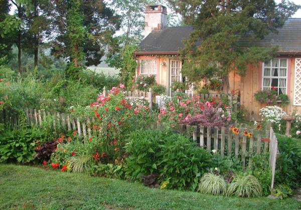 cottage garden design decorating