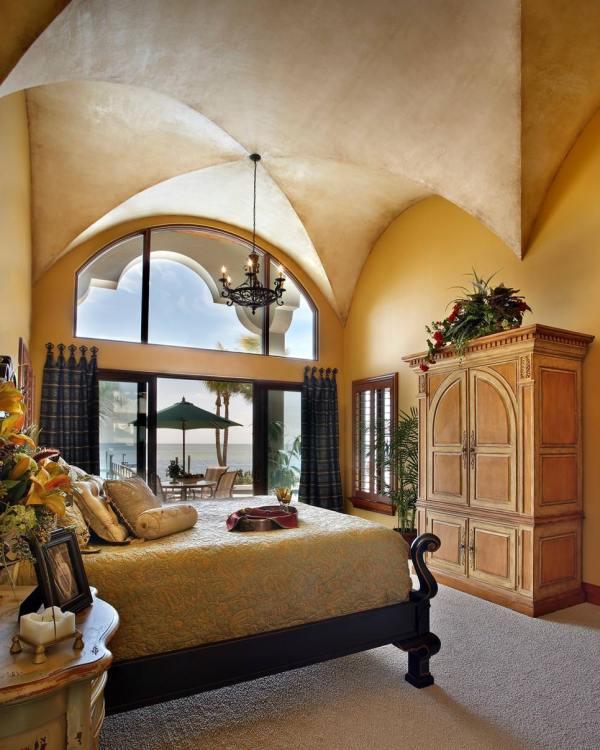 Mediterranean Master Bedroom Design