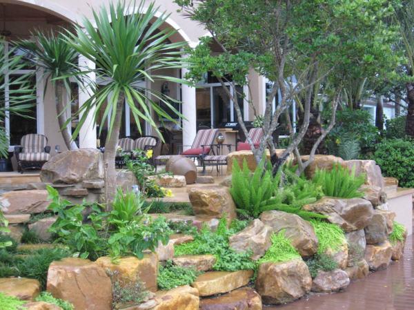 rock wall garden design decorating