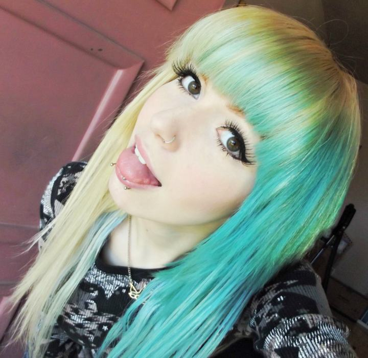 25 Beautiful Emo Hairstyles for Girls