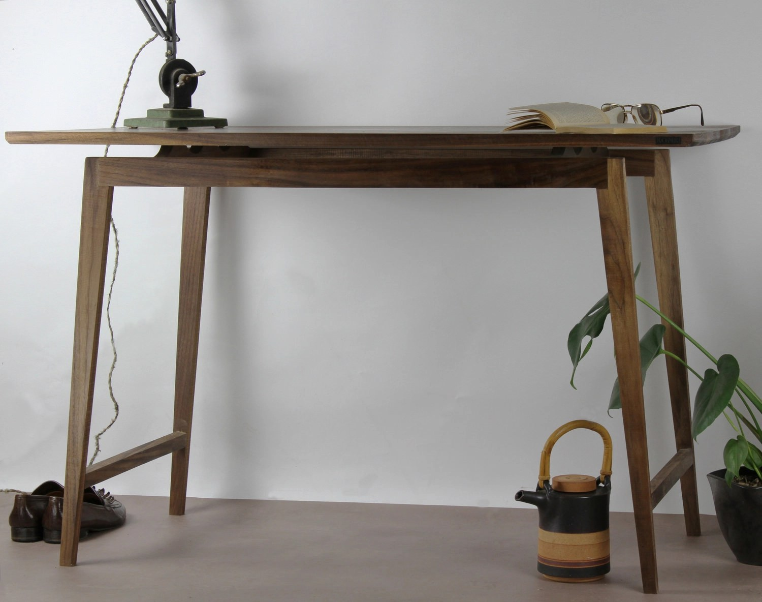 20 Handcrafted Industrial Furniture Designs Ideas