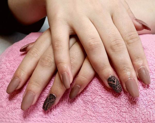 Brown Nail Art Design