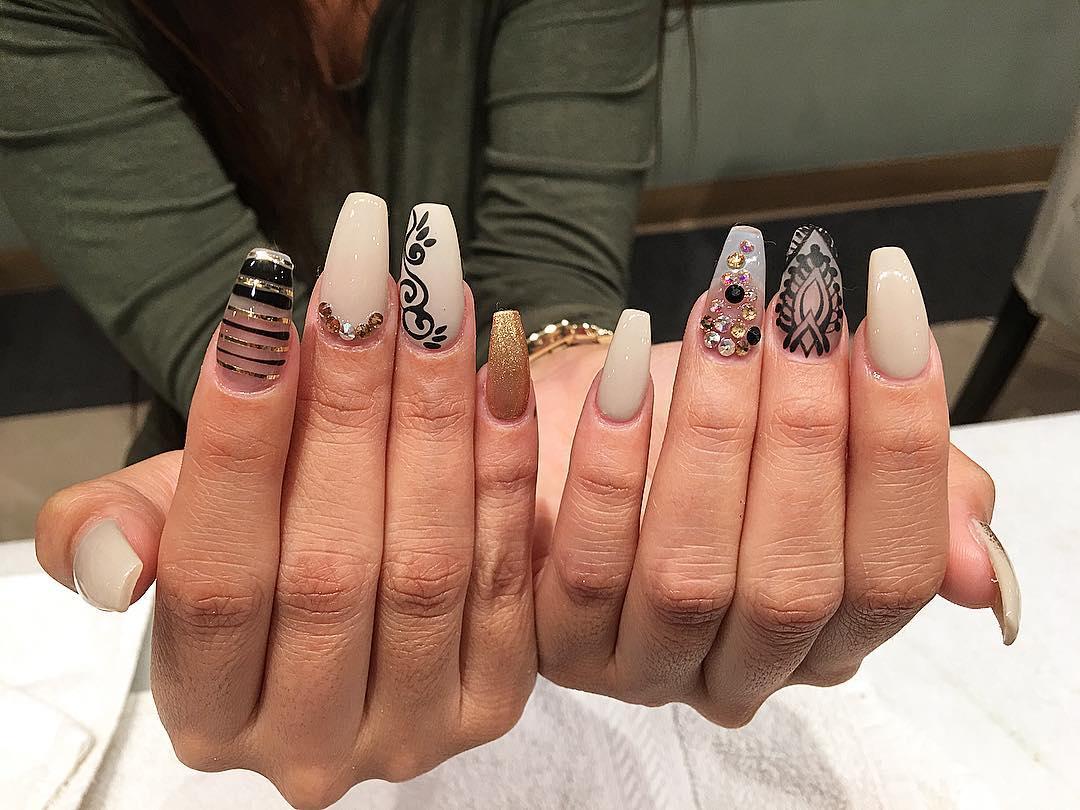 Black Lace Summer Nail Design